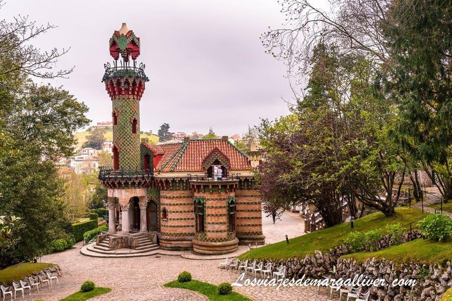 El capricho de Gaudí en Comillas, Cantabria - Los viajes de Margalliver