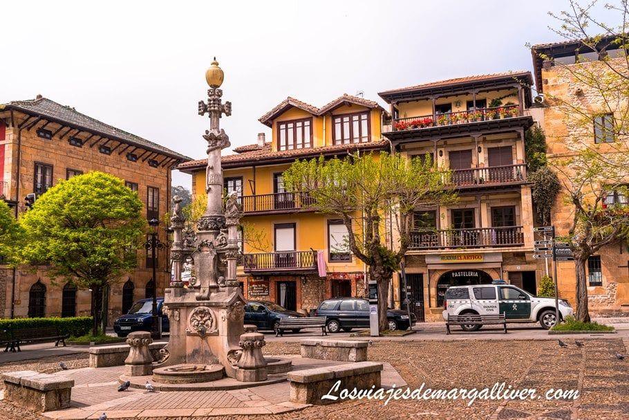 Fuente de los 3 caños en Comillas, uno de los pueblos más bonitos de Cantabria - Los viajes de Margalliver