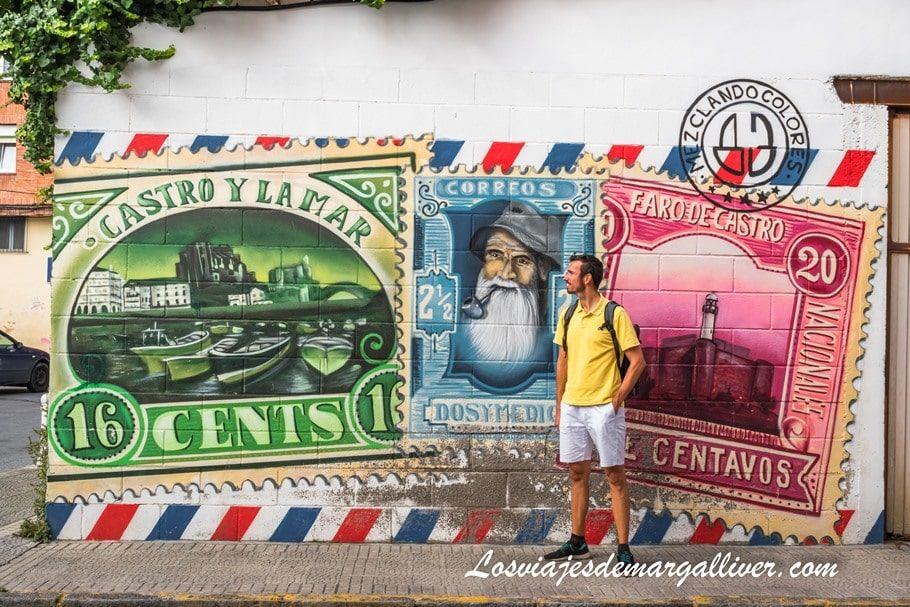Kike con el arte urbano de Castro Urdiales - Los viajes de Margalliver