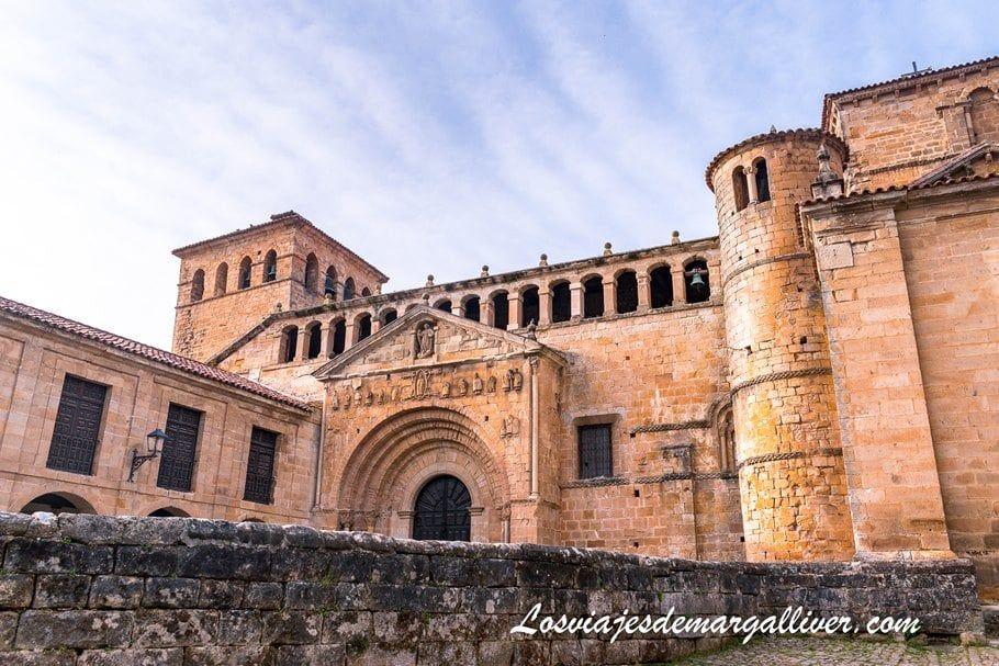 La Colegiata de Santa Juliana en Santillana del mar, uno de los pueblos más bonitos de Cantabria - Los viajes de Margalliver