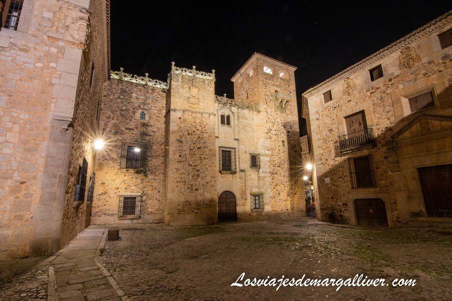 Palacio de los Golfines de Abajo - Qué ver en Cáceres