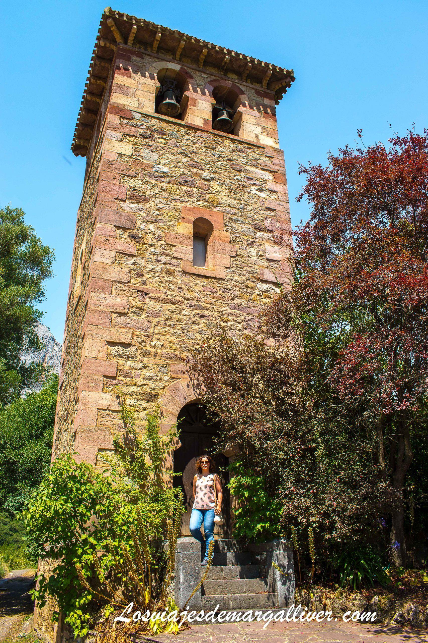 Torre de la Iglesia prerrománica de Santa María de Lebeña en Cantabria - Los viajes de Margalliver