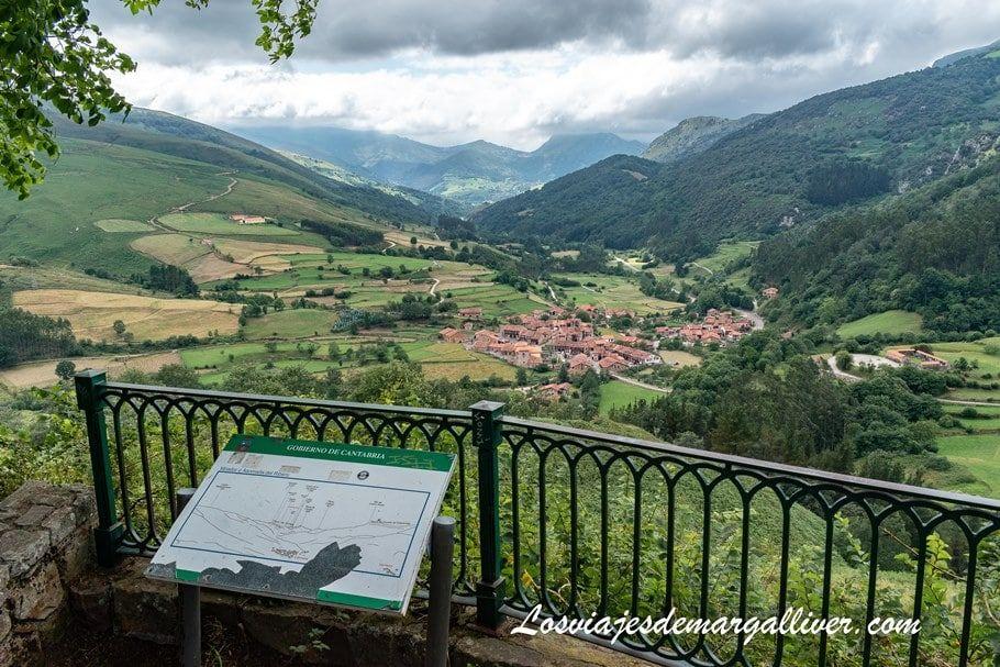 vistas de Carmona, desde uno de sus miradores, Roadtrip por Cantabria - Los viajes de Margalliver
