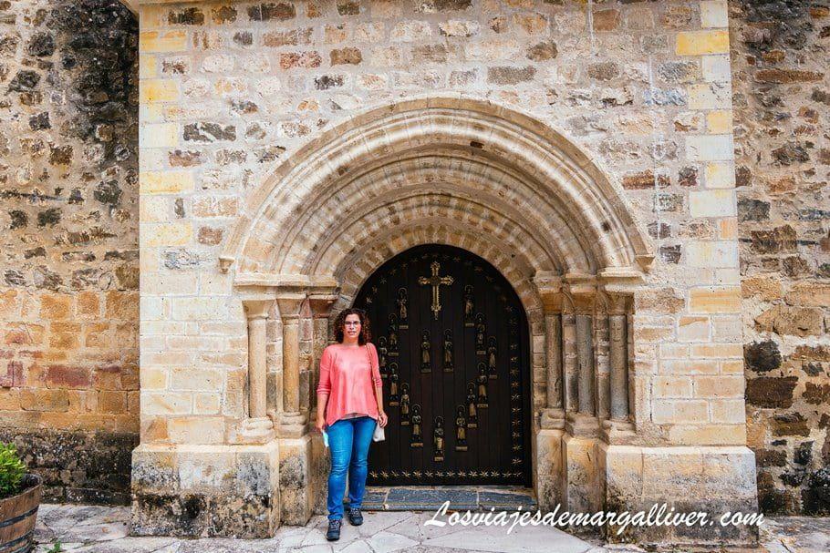 Puerta del Perdón del monasterio de Santo Toribio de Liébana en Cantabria - Los viajes de Margalliver