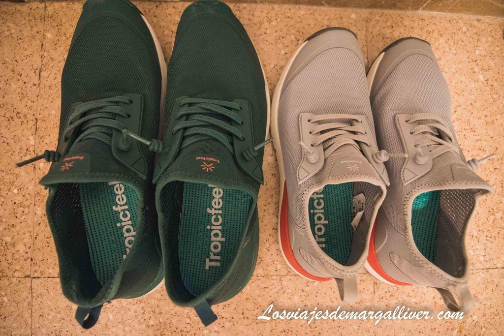 Nuestras zapatillas tropicfeel jungle en pine green y chip grey - Los viajes de Margalliver