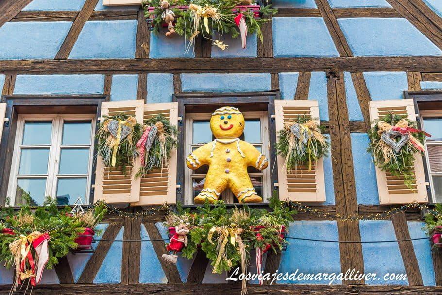 Casa con decoración navideña en Kaysersberg - Los viajes de Margalliver