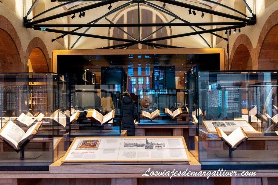 Interior de la Biblioteca Humanística de Selestat - Los viajes de Margalliver