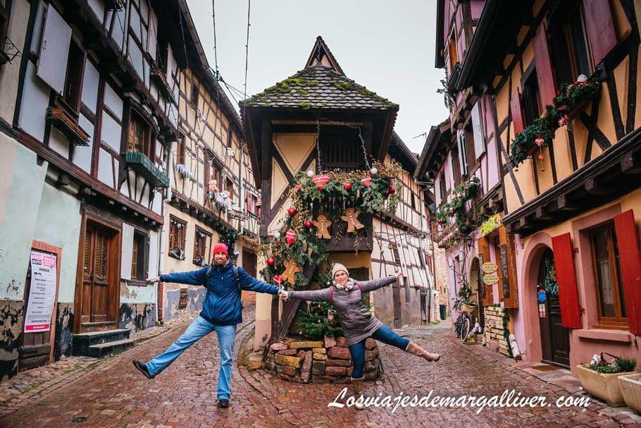 Equipo Margalliver en el famosísimo pigeonnier o palomar de Eguisheim - Los viajes de Margalliver
