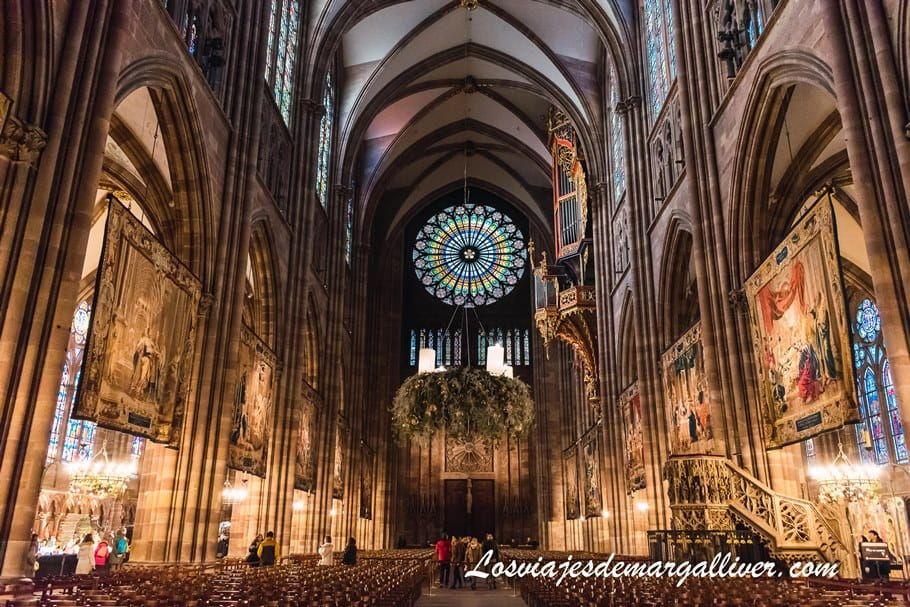 Interior de la catedral de Estrasburgo, impresionante - Los viajes de Margalliver