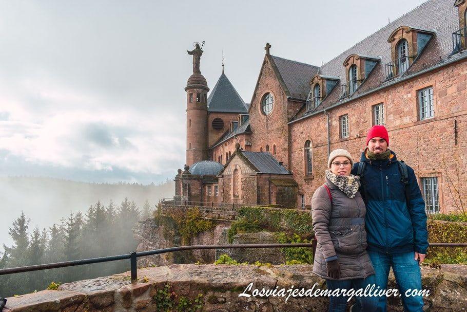 Preciosa imagen del exterior del santuario del monte Sainte Odile en Alsacia - Los viajes de Margalliver