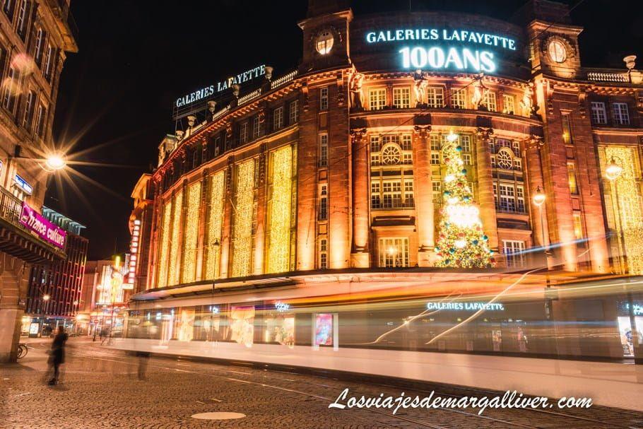 Galerias Lafayette decoradas e iluminadas en navidad en Estrasburgo - Los viajes de Margalliver