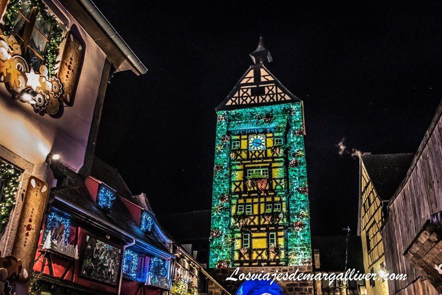 El Dolder de Riquewihr iluminado en Navidad - Los viajes de Margalliver