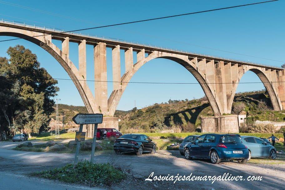 Puente del Tren de Villanueva del Río y Minas, comienzo de la ruta de Senderismo a Munigua - Los viajes de Margalliver