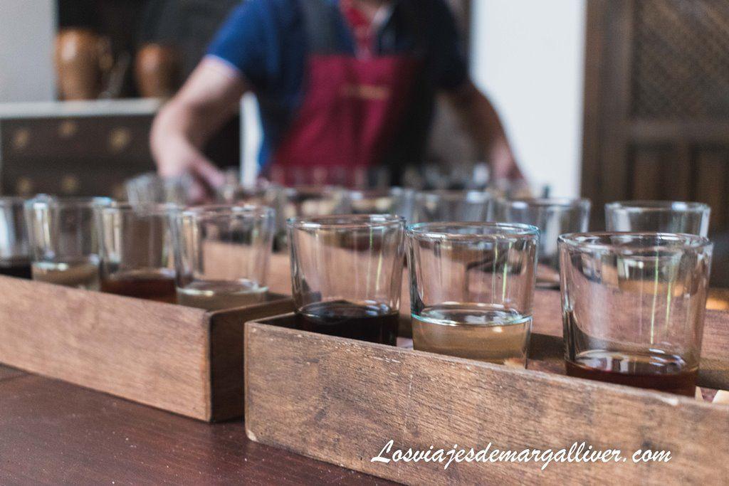 Cata de vinos de las Bodegas Blanco en Estepa - Los viajes de Margalliver