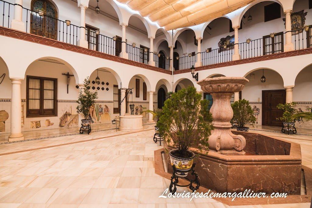 claustro interior del Convento de la Purísima Concepción en Osuna - Los viajes de Margalliver
