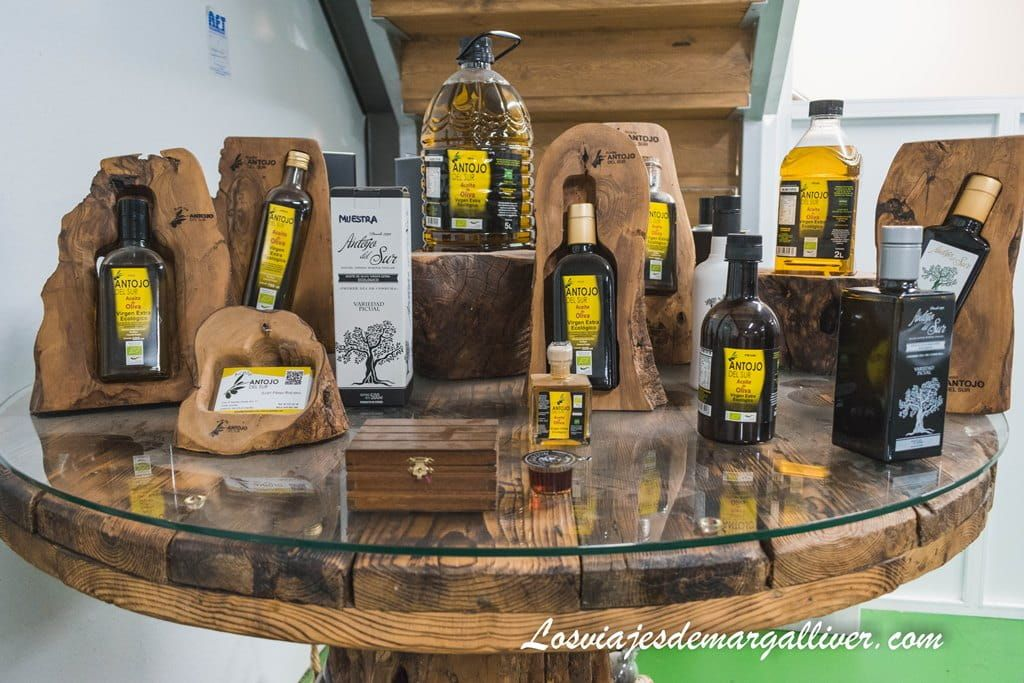 """variedad de aceites de oliva virgen extra de """"Antojo del Sur"""" en la sierra sur de Sevilla - Los viajes de Margalliver"""