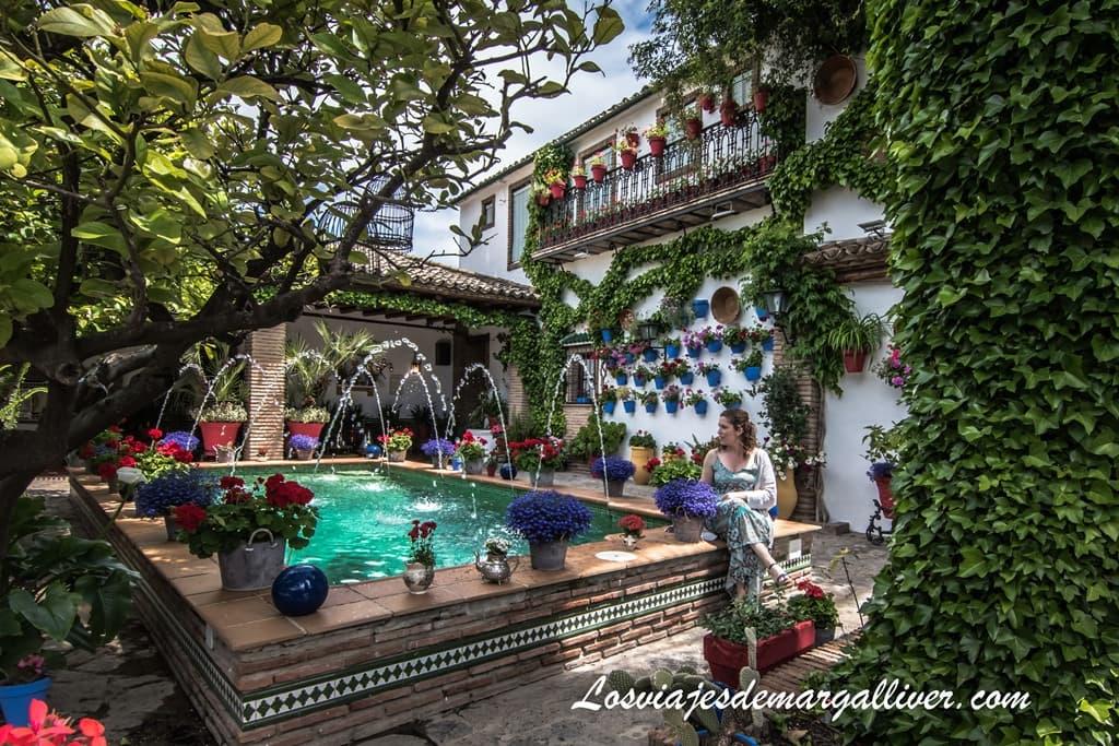 Patio con duende en Rute, Córdoba - Los viajes de Margalliver
