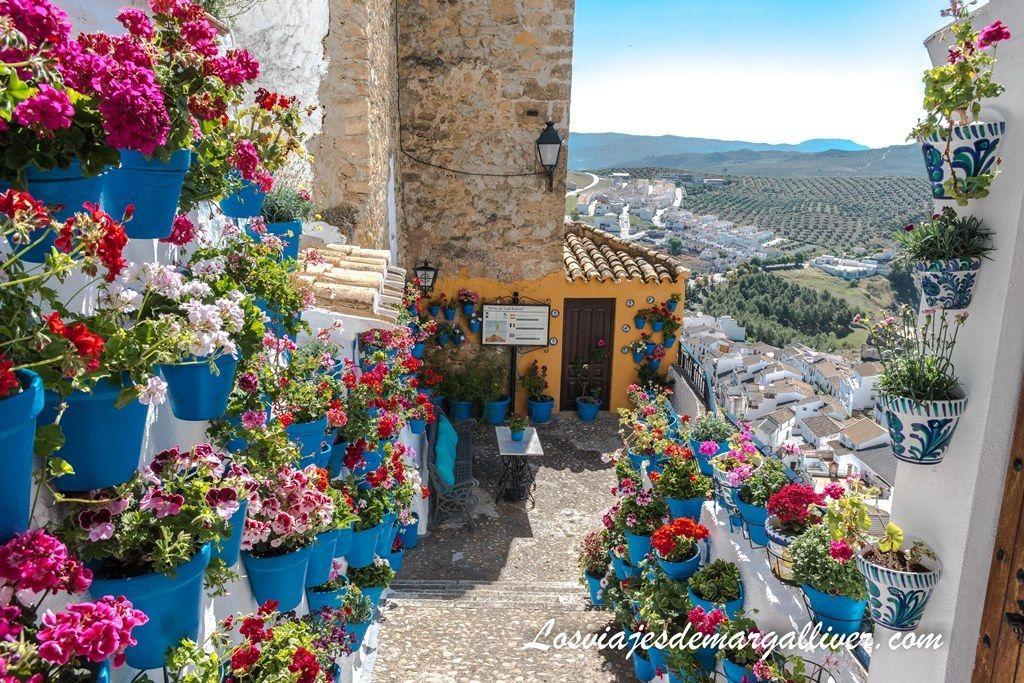 Torre de San Rafael y Patio de las Comedias en Iznájar - Los viajes de Margalliver