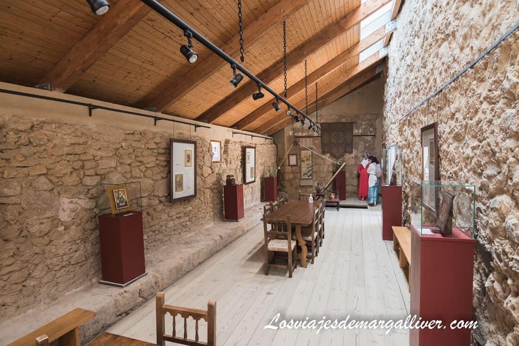 Sala de las caballerizas del castillo de Iznájar - Los viajes de Margalliver