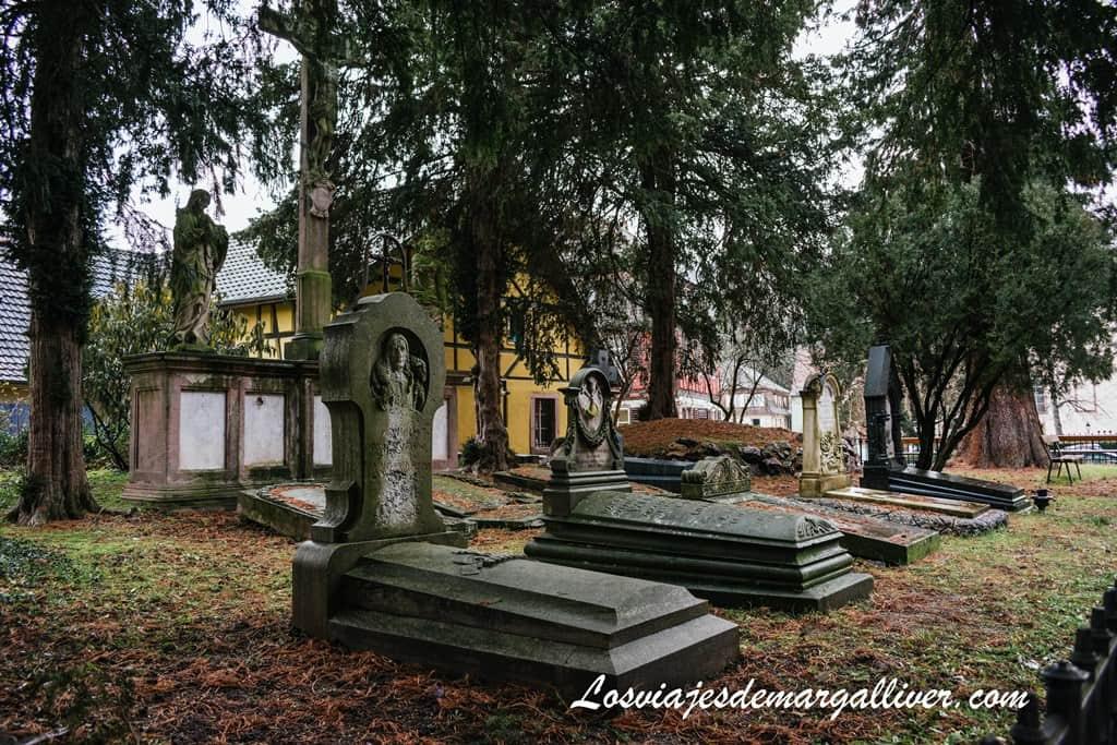 El cementerio de los Sacerdotes en Ribeauvillé - Los viajes de Margalliver