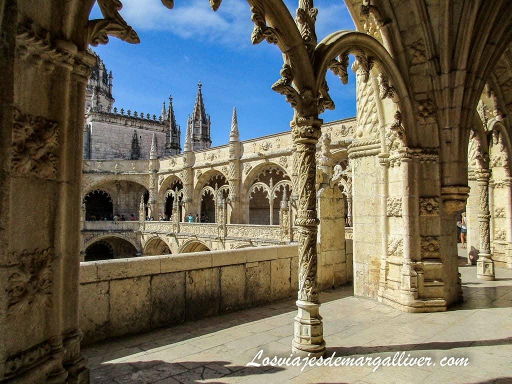 Claustro Monasterio de los Jerónimos de Belém en Lisboa - Los viajes de Margalliver