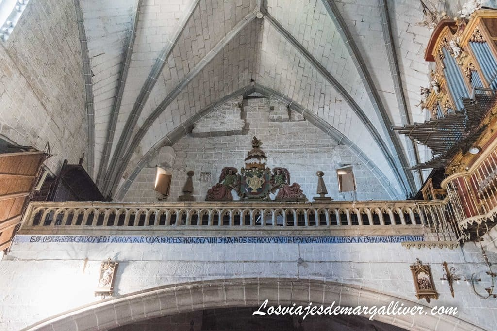 Coro y órgano de la iglesia de Santa María la Mayor de Ledesma - Los viajes de Margalliver