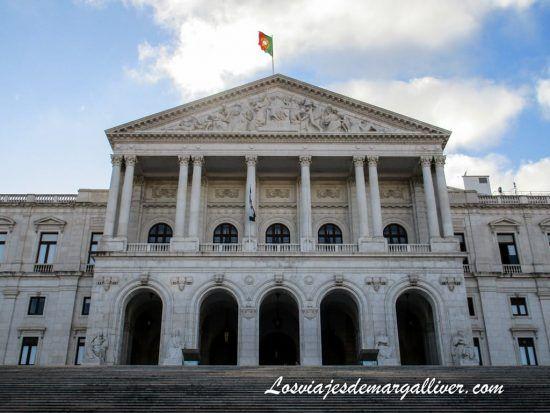 Edificio parlamento en Lisboa - Los viajes de Margalliver