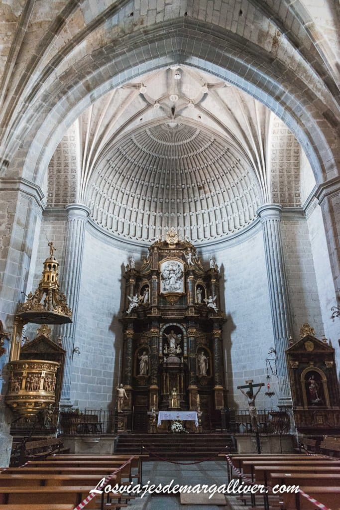 Retablo mayor de la iglesia de Santa María la Mayor de Ledesma - Los viajes de Margalliver