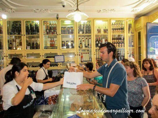 Kke comprando pasteis de Belém