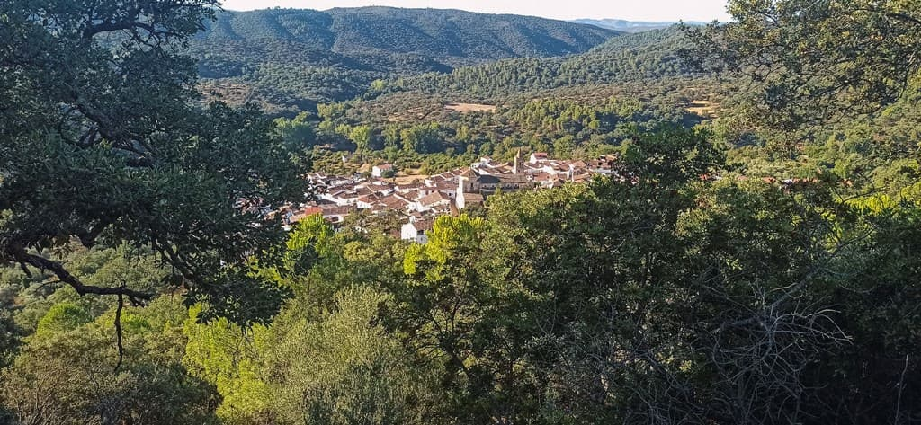 Linares de la Sierra en la provincia de Huelva - Los viajes de Margalliver