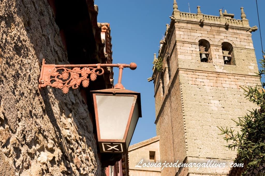 Torre campanario de la iglesia de Santa María la Mayor de Ledesma - Los viajes de Margalliver