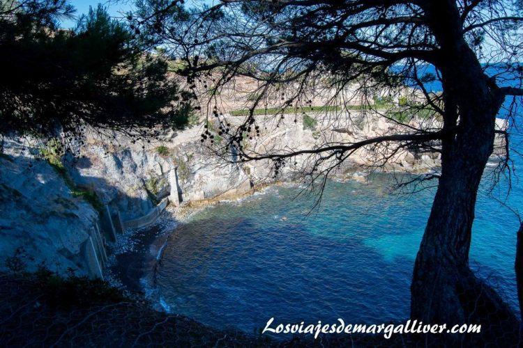 Ruta en coche por Mallorca, vistas de la cala Banyalbufar - Los viajes de Margalliver
