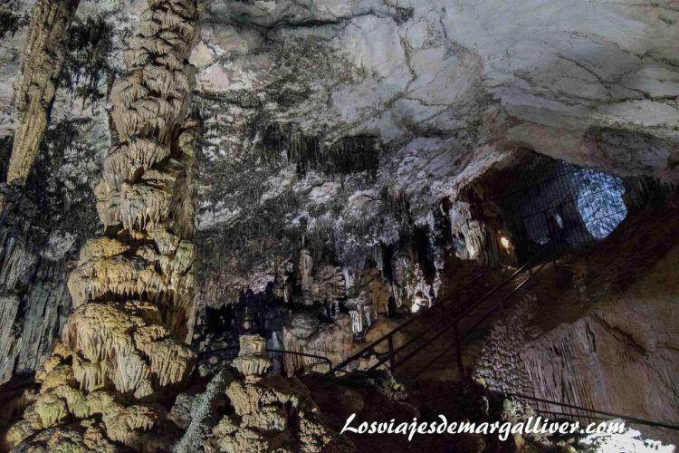 Ruta en coche por Mallorca,interior cuevas de Artá - Los viajes de Margalliver