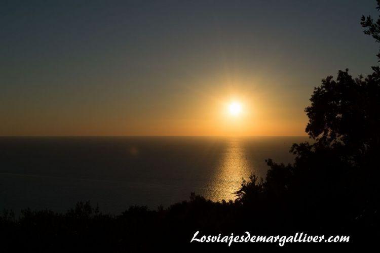 Ruta en coche por Mallorca, puesta de sol desde el mirador Na foradada - Los viajes de Margalliver